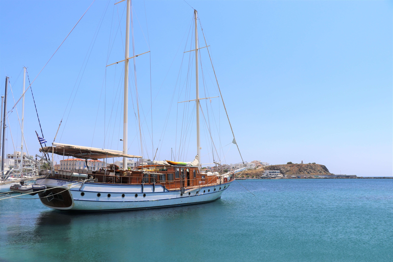 sail boat tinos